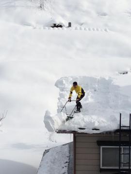 20130105雪降ろしhyh1