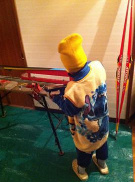 20130110nobuスキー手入れ2