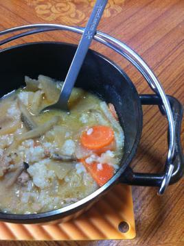 20130218豚汁6インチダッチオーブンスプーン
