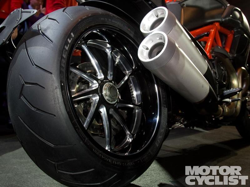 ducati_diavel_tire.jpg