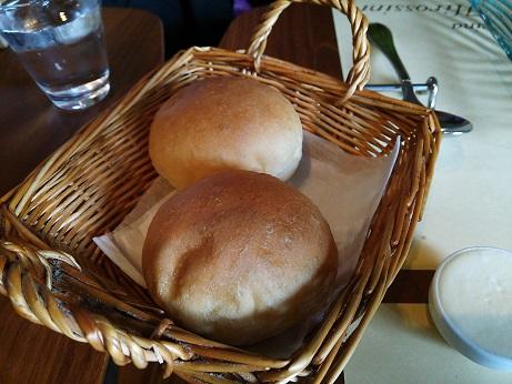 ヒロッシーニ ランチのパン