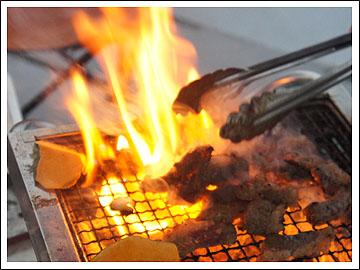 火まみれの焼肉