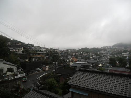 そうです雨降りです。