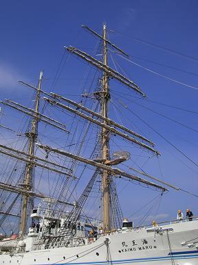 海王丸きれいな帆船