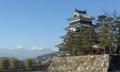 松本城とアルプス