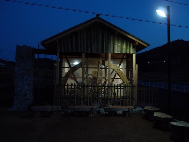 120402水車夜景1
