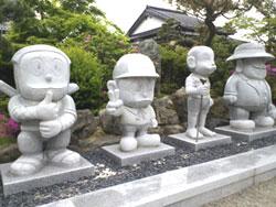 富山-藤子不二雄キャラ石像