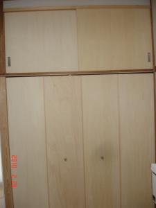 4枚折れ戸、引き違い戸へ交換取付