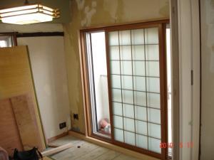 断熱材施工前和室
