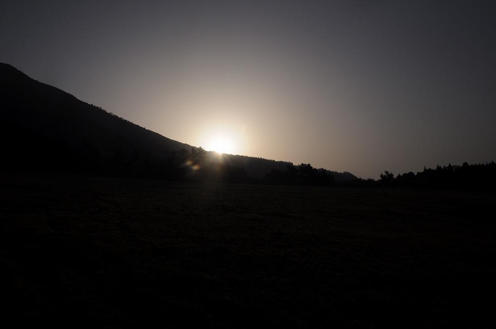 朝の牧草地 2010.05.04 0617