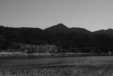 b岩手県三陸海岸の漁村2007.7
