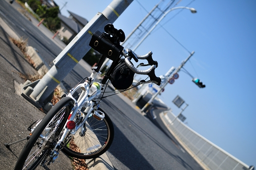 江島大橋を望む