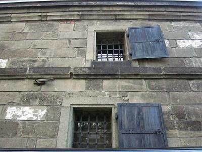 カフェマール横の窓
