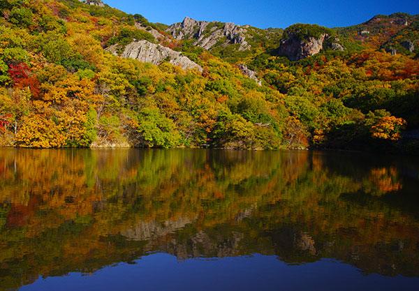 寒霞渓山麓の貯水池