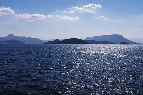 高松沖から屋島