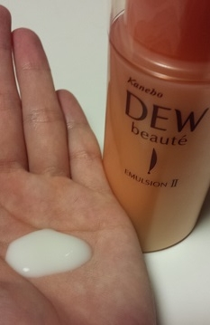 DEWローション乳液テクスチャー