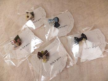 2011.12lalanicoお花のブローチ_R