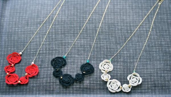 3連薔薇ネックレス