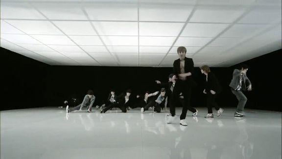 Super JuniorBeauty;Bonamana MV.avi_000182359