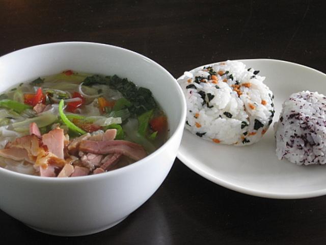 pho-onigiri