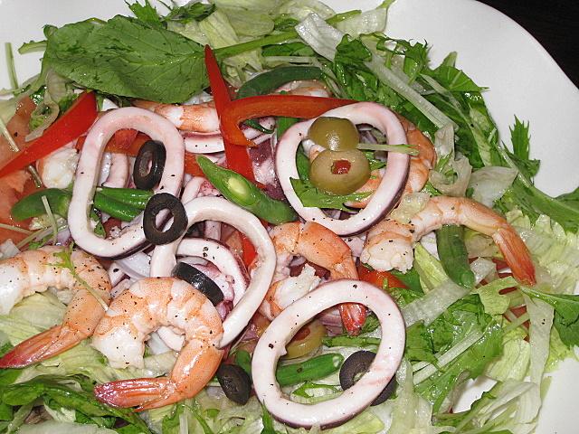ikaebi-salad