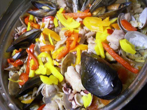 http://blog-imgs-44.fc2.com/j/i/m/jimsie/20100130-paella.jpg