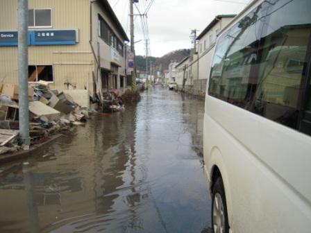 道路の冠水(梅渓寺の帰り)