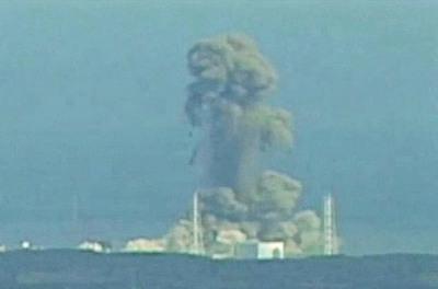 福島三号機の爆発画像