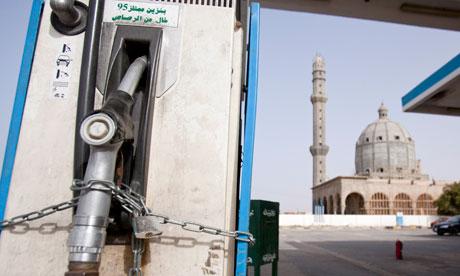 Libya-petrol-crisi-007[1]