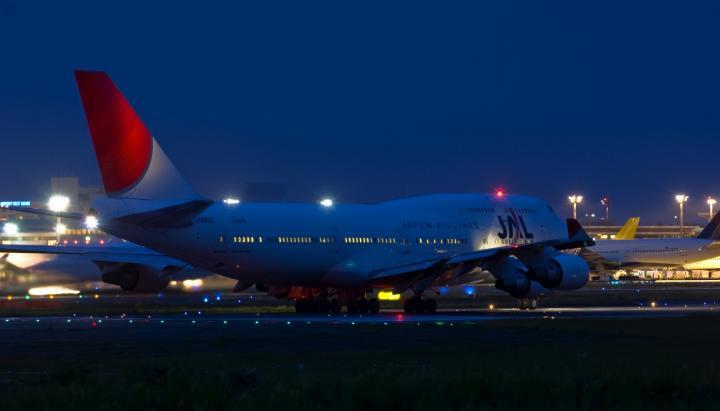 747 夜