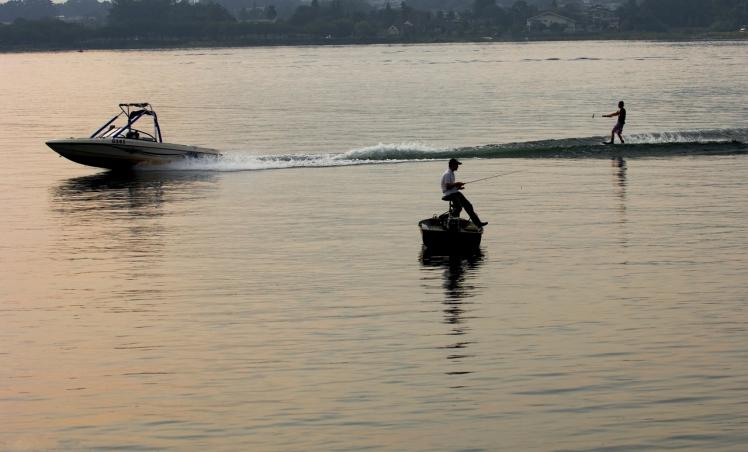 ボートと釣り河口湖 (54)