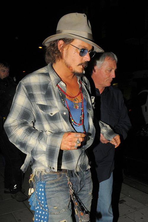 Johnny_Depp_Sept16_09.jpg