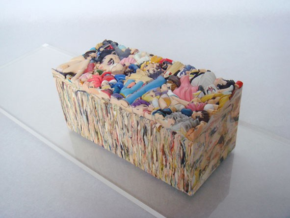 現代アート集団「カオス*ラウンジ」に著作権違反容疑 現代デザイン板で祭り
