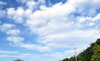 台風後 空