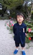 幼稚園の庭で