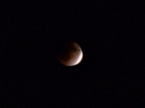 22:57 もうすぐ皆既月食