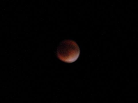 23:11 皆既月食