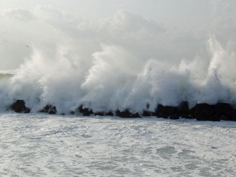 波が凄い!