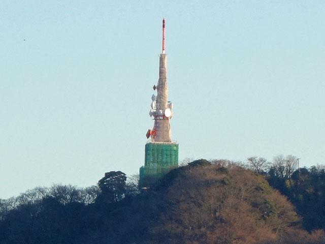 湘南平の鉄塔が工事中