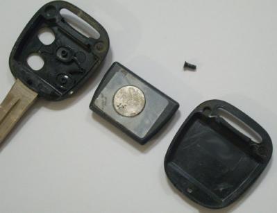 ムーヴMOVE リモコンキー 電池の位置