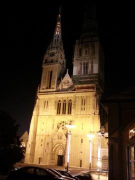 ザグレブ大聖堂 夜