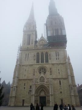 ザグレブ大聖堂 霧