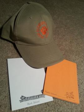 お土産の付箋と帽子