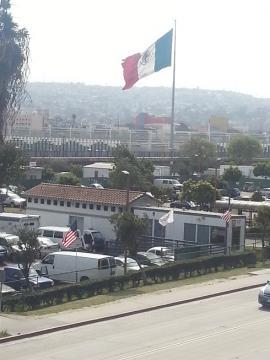 すぐ向こうはメキシコ
