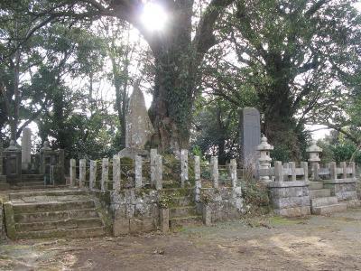 武将たちの墓所