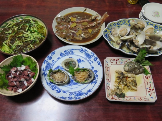 アワビとホウボウとタコとモズクの食卓