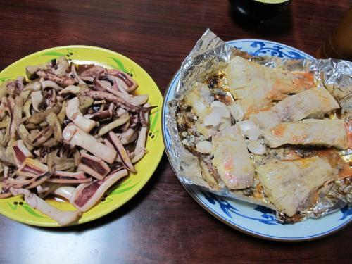 キンメの味噌漬け、一夜干しイカとエリンギ炒め