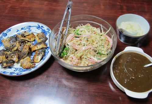 鯖麹、大根とハムのサラダ、残り物カレー