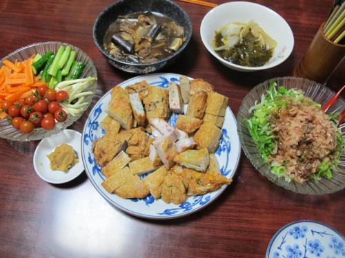 魚肉練り製品、スティックサラダ、残り物