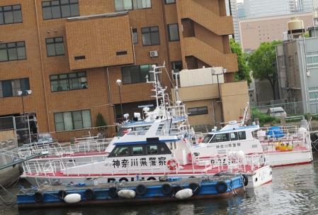横浜港 警察船